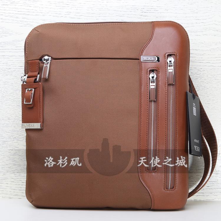 tumi塔米/途明ipad平板专利涤纶斜挎男士包25105um