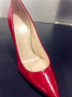 Stuart Weitzman 红色漆皮小高跟鞋