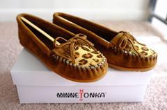 Minnetonka 迷你唐卡 半豹纹 LEOPARD KILTY MOC 豆豆鞋