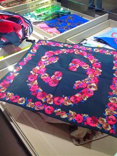 古奇 Gucci 方丝巾