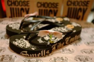 【一秒到纽约】Juicy Couture JC水晶吊坠厚底拖鞋 美国现货直邮