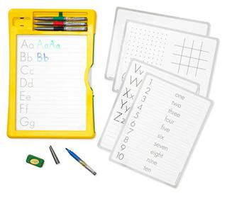 Crayola绘儿乐 千色乐DRY-ERASE ACTIVITY CENTER 白板笔描绘画板